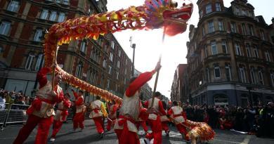 Más de 400.000 personas celebraron el Año Nuevo Chino en Usera con récord de público