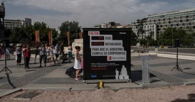 Save the Children instala un contador en Colón para recordar que quedan 94 días para acoger a 16.033 refugiados