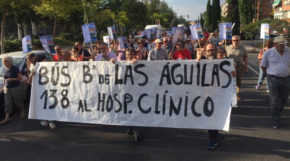 Los vecinos de Latina volverán a salir a la calle para reivindicar que el 138 llegue a Las Águilas