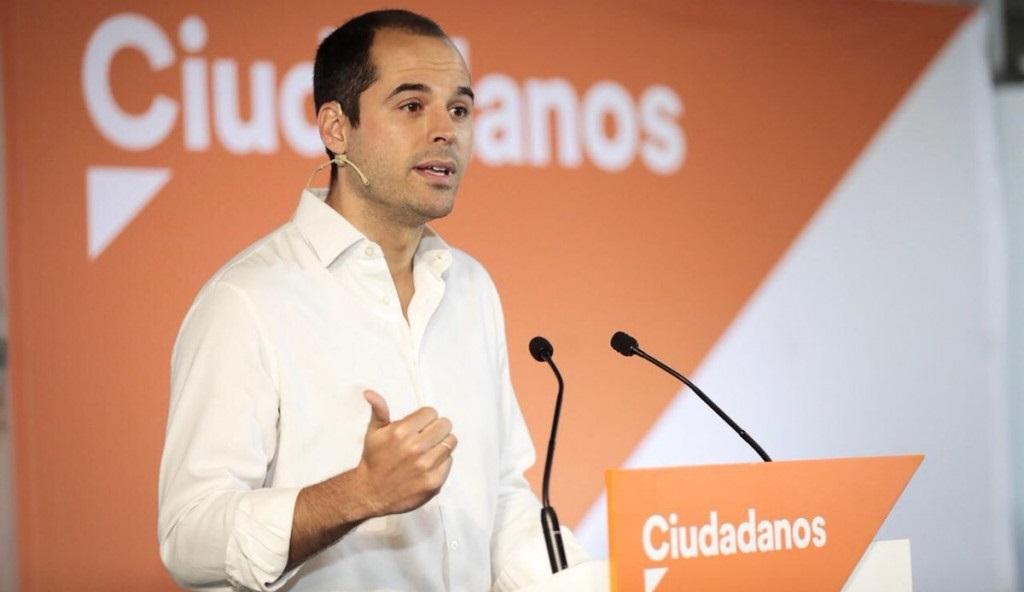 """Ciudadanos propone una mesa de diálogo para encontrar una solución """"que garantice la libertad de elección en el transporte"""""""