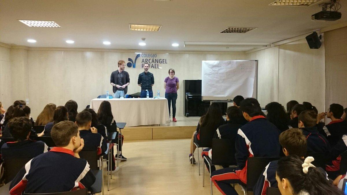 """Arcópoli premia con la """"Tiza Arcoíris"""" a los centros educativos de Madrid más implicados con la igualdad LGTB"""