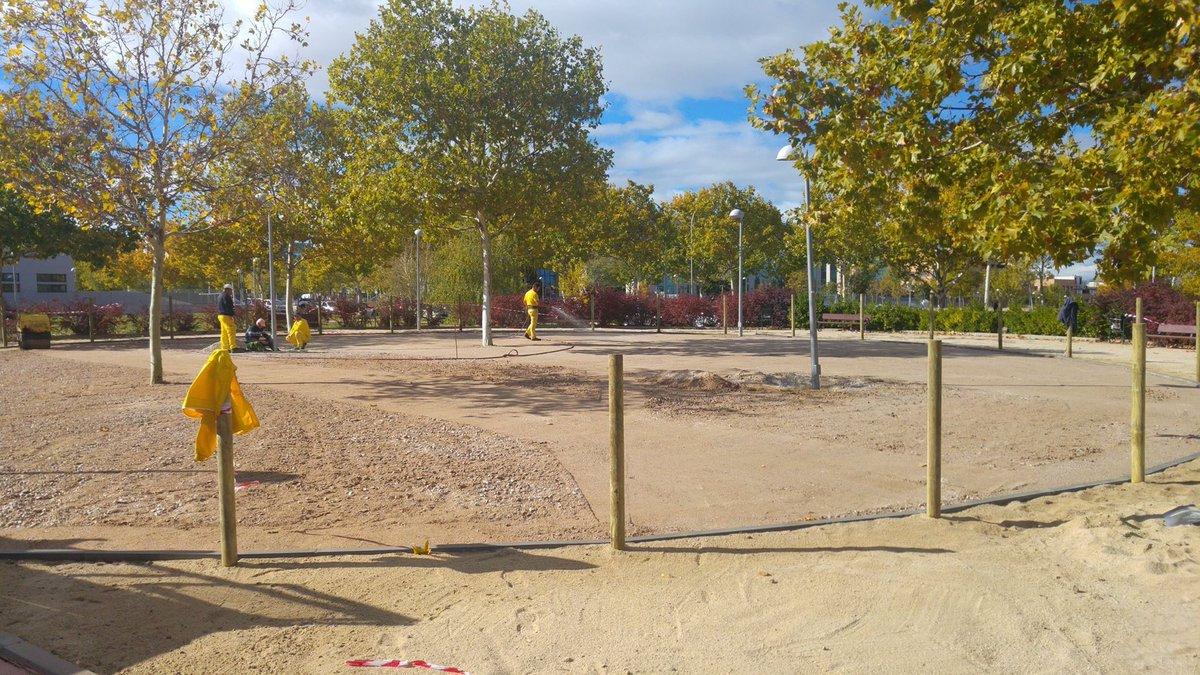 Comienza la construcción del primero de los tres parques caninos que tendrá el distrito de Barajas