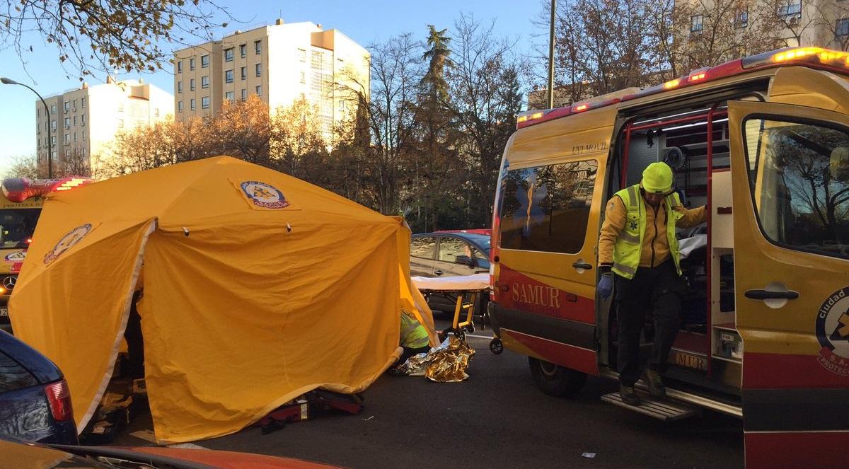 Una mujer de 79 años grave tras ser atropellada en las proximidades de un paso de peatones en Orcasitas