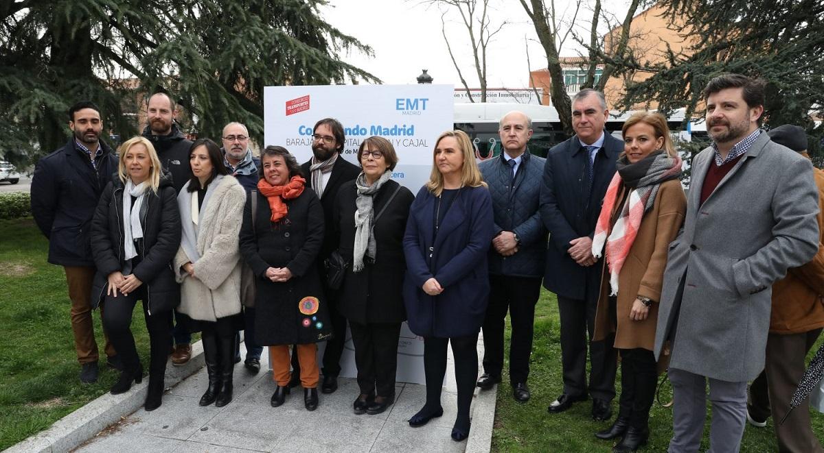 Barajas inaugura la nueva línea de la EMT que le conecta con el Hospital Ramón y Cajal