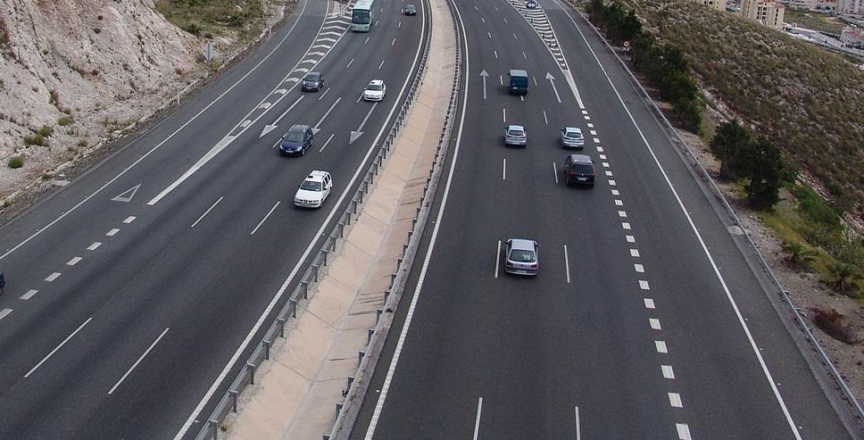 Las autopistas de peaje de Madrid bajan un 30% su precio y serán gratis por la noche
