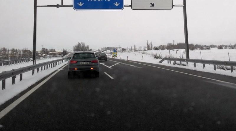 Emergencias 112 alerta de nieve y fuertes rachas de viento para este lunes en la sierra de Madrid