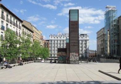 """El Pleno de Centro aprueba nombrar la plaza situada frente al Museo Reina Sofía como """"Juan Goytisolo"""""""