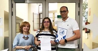 CSIT-UP entrega 2.000 firmas por el reconocimiento de la carrera profesional para el personal laboral del SERMAS