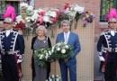 Manuela Carmena participa en la tradicional ofrenda floral a la Virgen de La Paloma