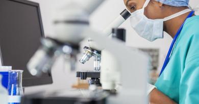 Madrid invertirá 10 millones de euros para contratar a jóvenes investigadores desempleados