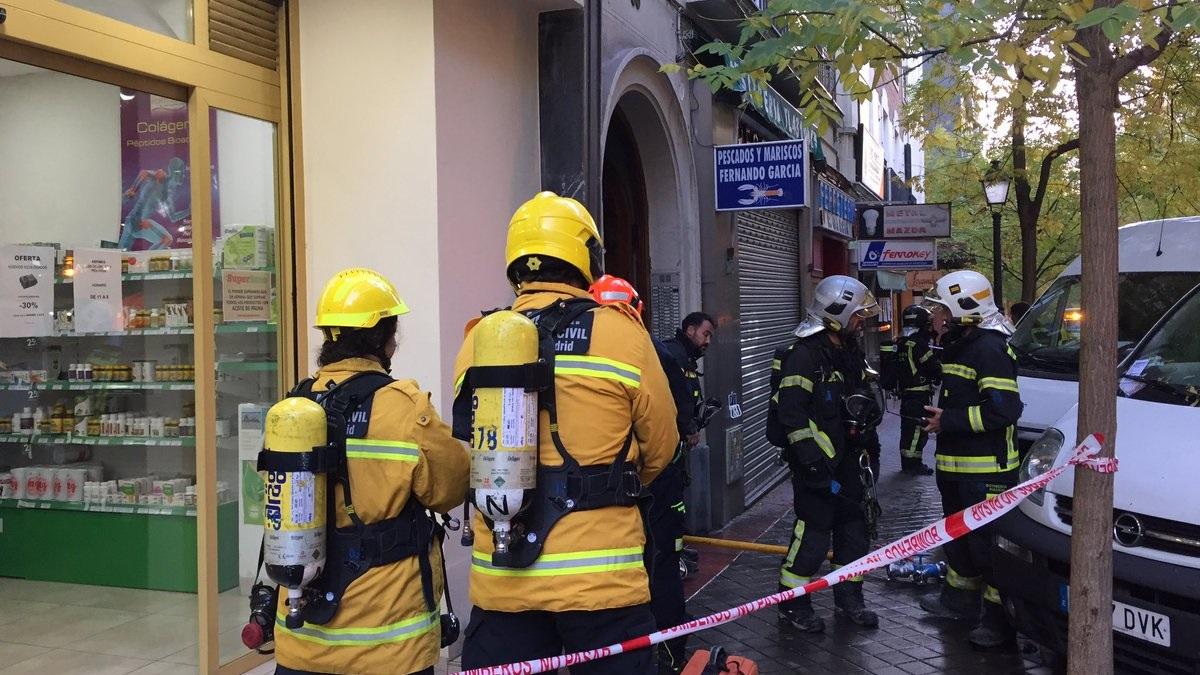 14 personas atendidas, entre ellas 3 bebés, tras un incendio en una vivienda del distrito Salamanca