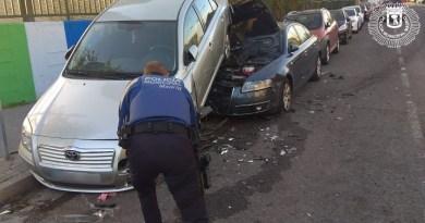 Un conductor bajo los efectos del alcohol empotra su coche contra otro en Orcasitas