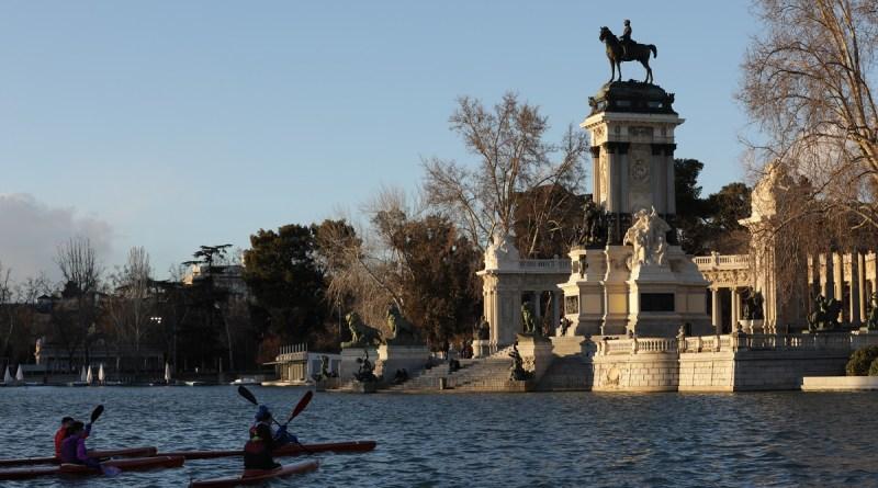 Nuevas visitas guiadas gratuitas a El Retiro, al Paseo del Prado y al búnker de El Capricho
