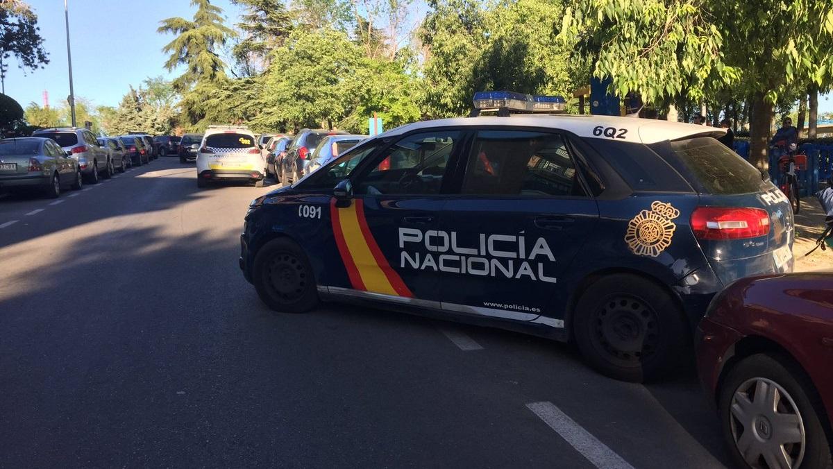 Una persecución a gran velocidad por el Ensanche de Vallecas acaba con disparos y dos detenidos
