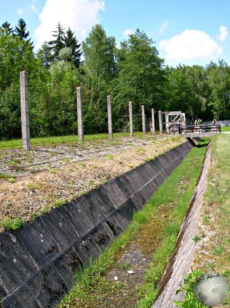 Dachau-trench_2602138040096713974