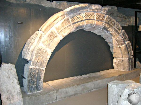 Ruins_2730312000096713974