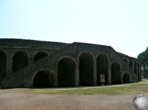 Pompeii-Amphitheater_DSCN1126