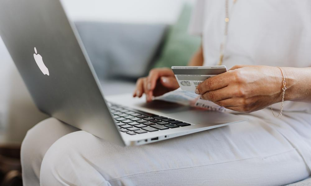 How to avoid online Black Friday scams - Gadget