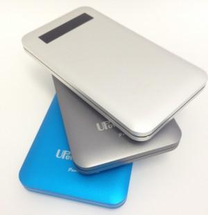 4,800円!15mmの世界最薄サイズで大容量8000mAhのモバイルバッテリー iPhoneなら5回はフル充電