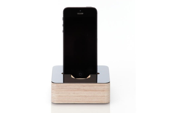 iphone-5-dock-wooden-black