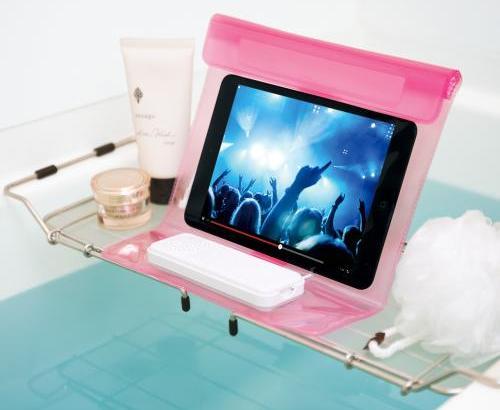 お風呂でも使えるスマホやタブレットの防水ケース付きスピーカー