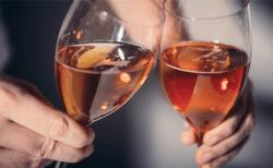 学習するアルコールセンサー「TISPY(ティスピー)」でスマートな二日酔い対策