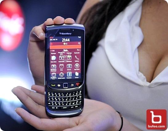 Claro_BlackBerry_Torch_Novo_centro Cortesía de Bufeo.com