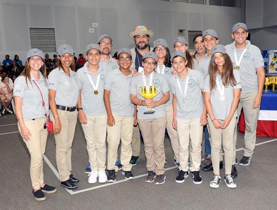 Punta Cana International School- Equipo Magic_resized_20170511_082048287