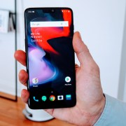 Fix Oneplus 6T Mobile Data Not Working (Problem Solved)