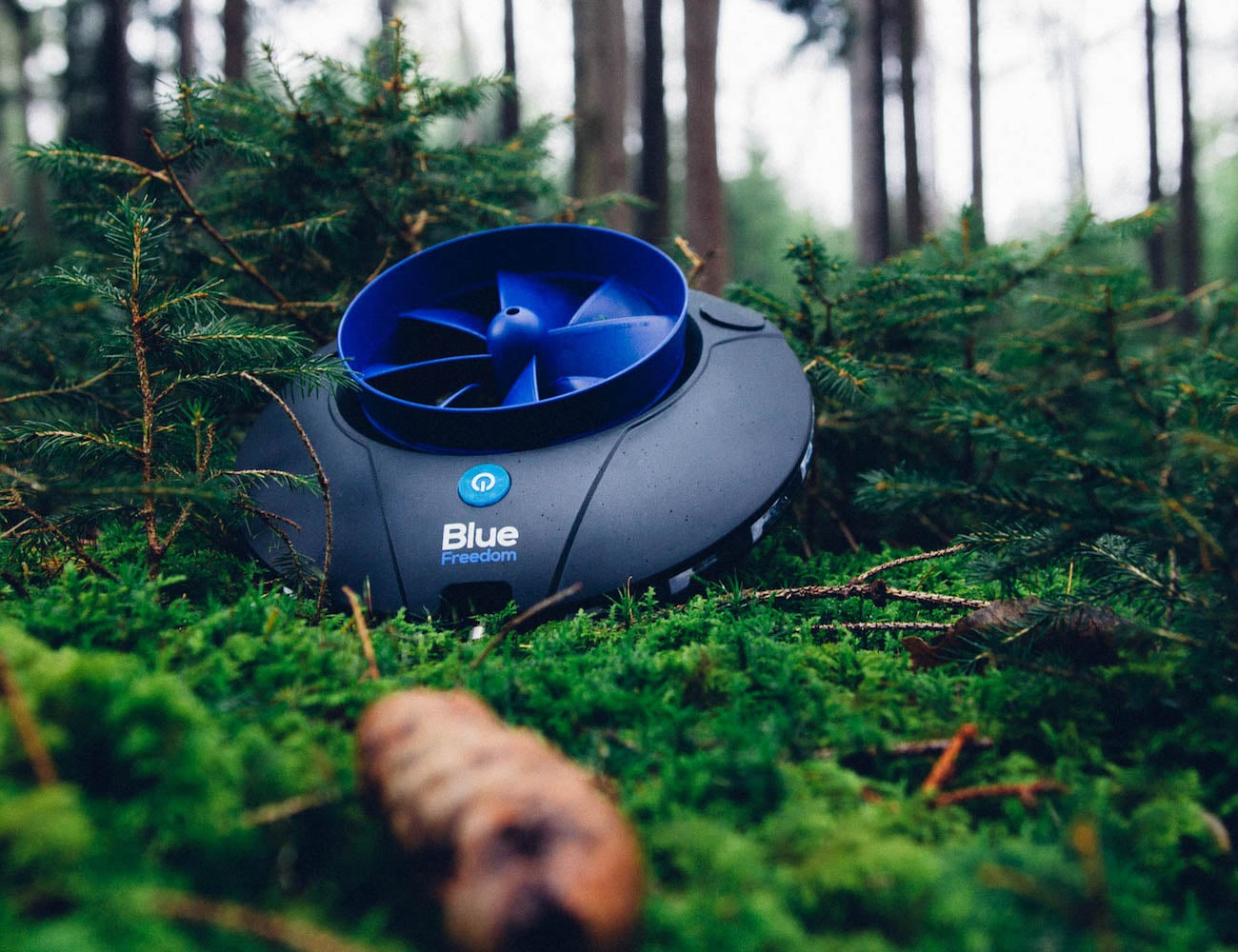 Blue Freedom Portable Hydroelectric Power Plant Gadget Flow