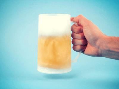 kühhlendes Bierglas Vorschau