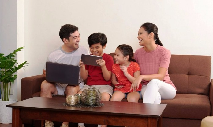 PLDT Home Wifi family