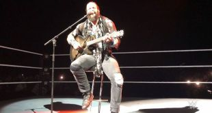 #WWECapeTown was ready to Walk With Elias… can you really blame them?