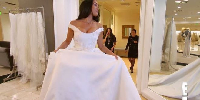 Nikki Bella feels reluctant about trying on wedding dresses in this Total Bellas...