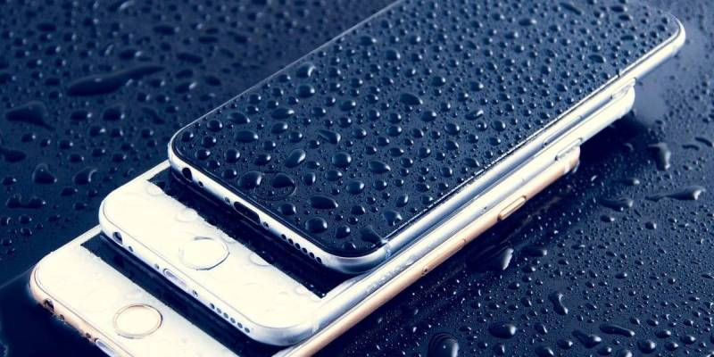 Cleaning your iPhone