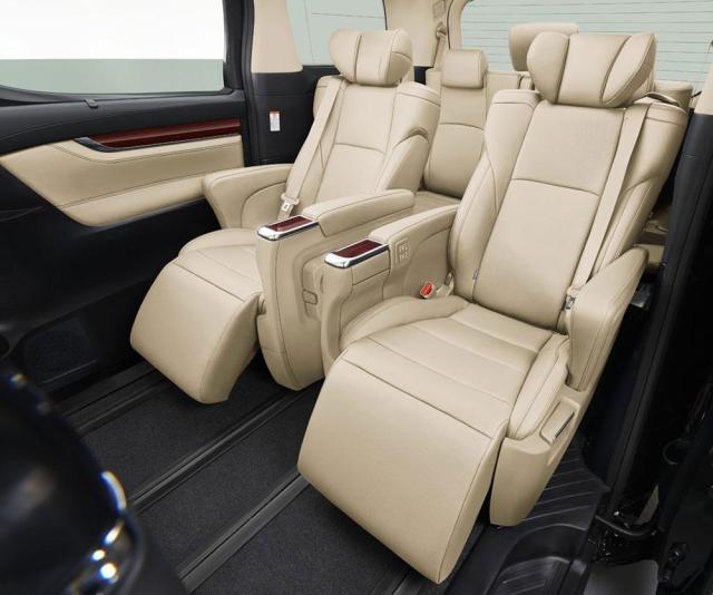 Toyota-Alphard-2015_2