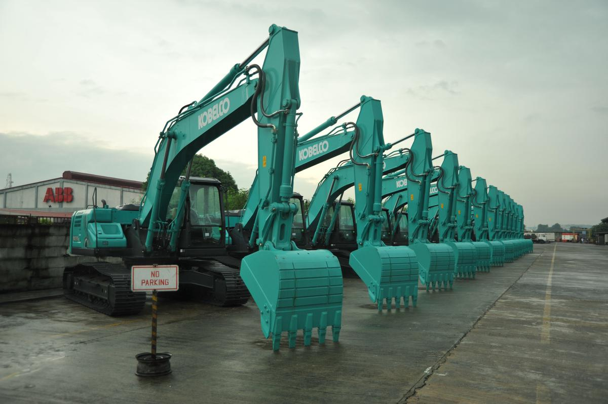 TCES Introduces KOBELCO New Generation-10, SK200 SK210LC