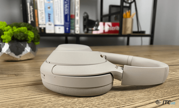 Review of wireless headphones Sony WH-1000XM4