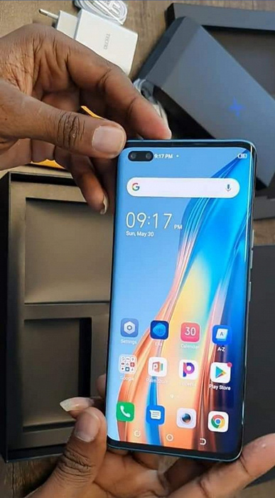 Helio G95, 90 Hz, 8/256 GB, 50 MP, 3.5 mm and fast charging.  Live photos and features of Tecno Phantom X