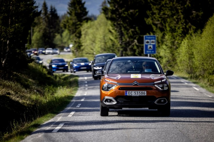 Modern electric vehicles often have a longer range than manufacturers claim.  Published a large test of 19 cars