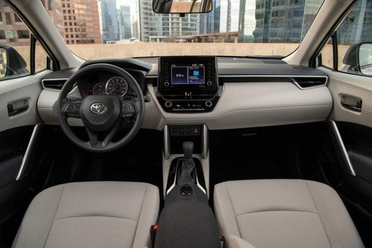 Introduced the crossover Toyota Corolla Cross 2022