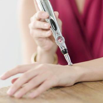 Magnetic Laser Acupuncture Pen