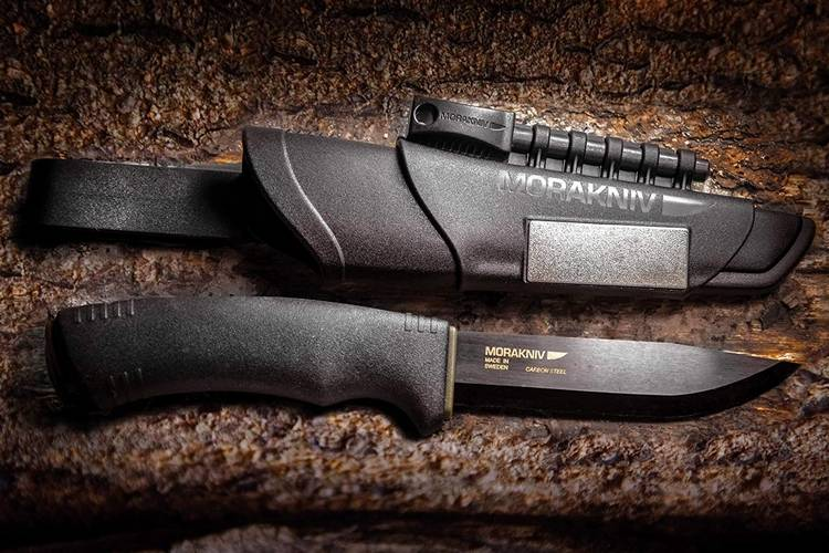 07 morakniv bushcraft 13 Coolest Tactical Knives for Wild Life