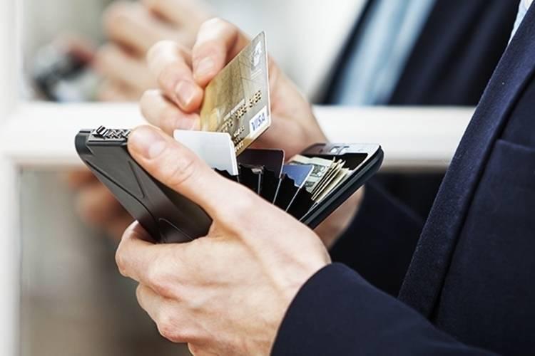 code wallet 3 Coolest Miniature Code Wallet