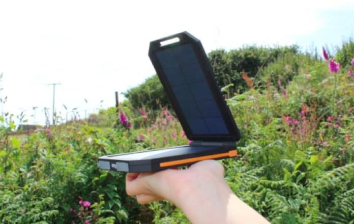 Cargador móvil solar