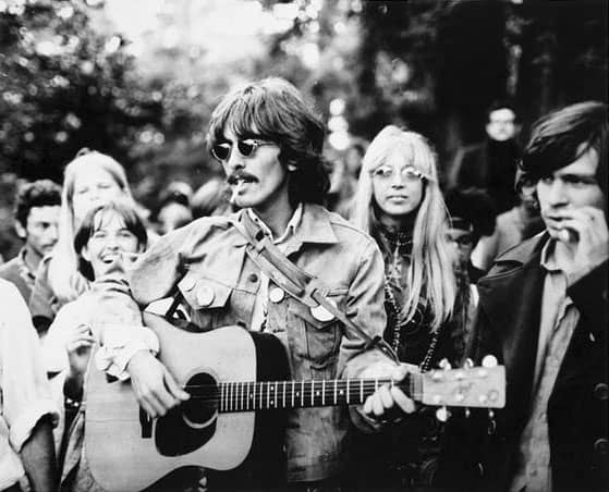 67_george-harrison-haight-ashbury-1967_02.jpg