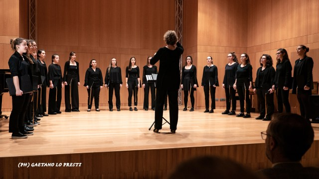 Ensemble femminile P1260552.jpg
