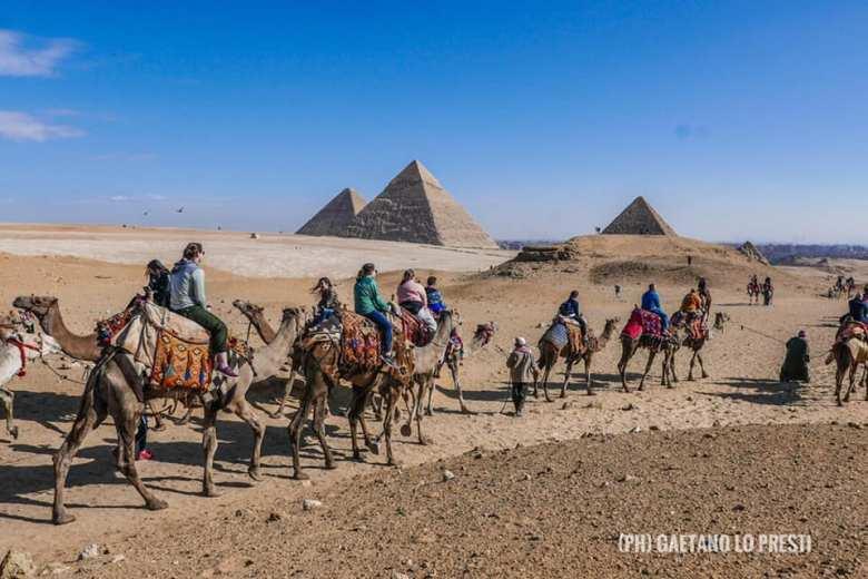 Piramidi 89146_2040405350191988736_n.jpg