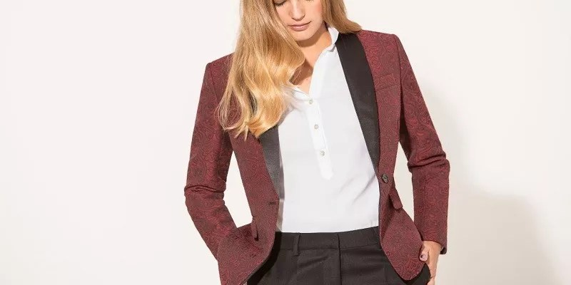 Women's Tuxedos Are Always In Fashion