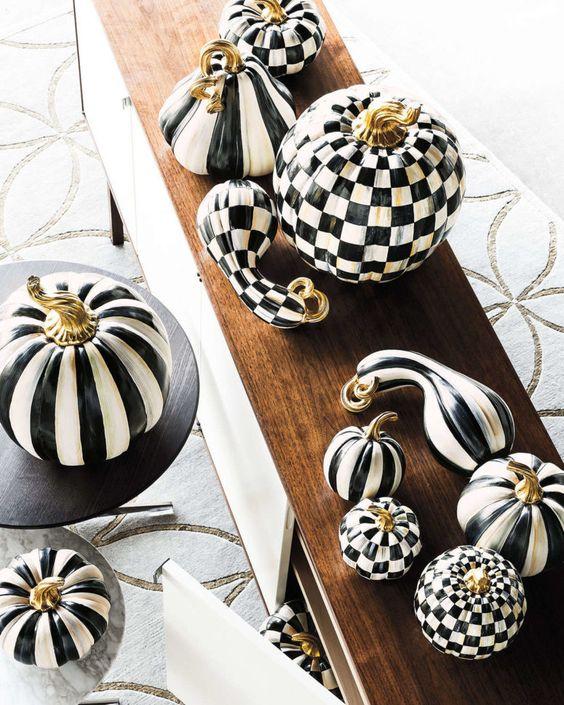pumpkins digsdigs black and white halloween